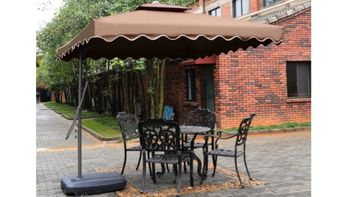 tylors-garden-cantilever-patio-umbrella - smart home keeping Best Patio Umbrella